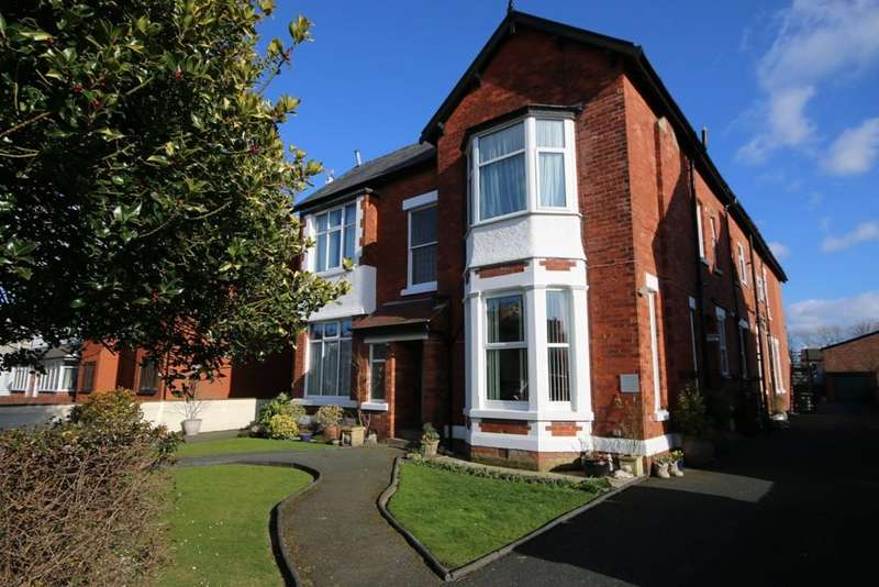 1 Bedroom Flat for sale in Hampton Road, Southport