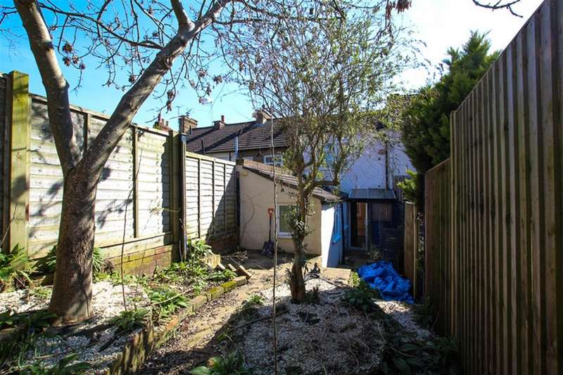 2 Bedrooms Terraced House for sale in Wing Road, Leighton Buzzard