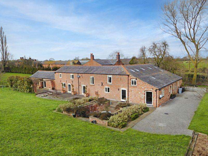 5 Bedrooms Detached House for sale in Baddiley Lane, Baddiley, Nantwich