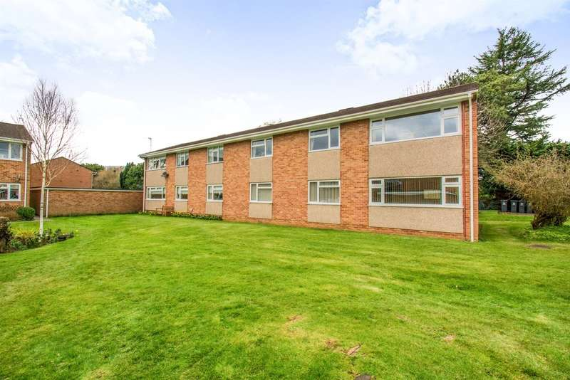 3 Bedrooms Ground Flat for sale in Bishops Close, Whitchurch, Cardiff