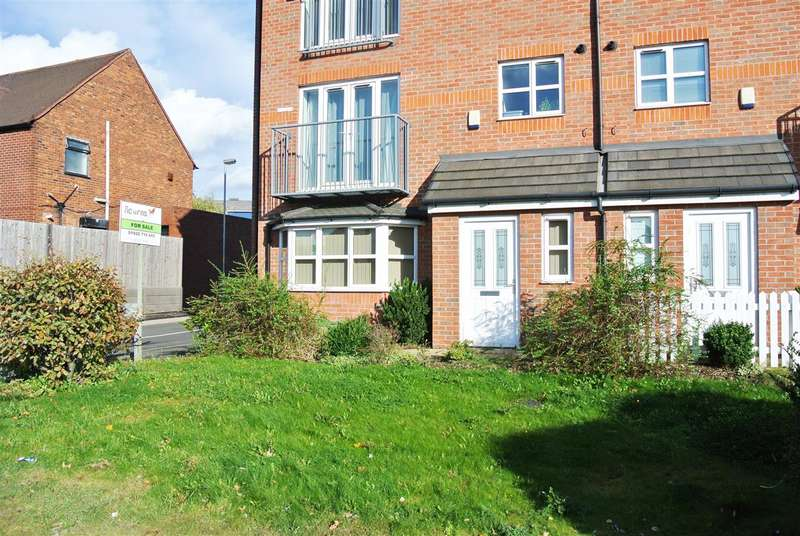2 Bedrooms Apartment Flat for sale in Pendlebury Close, Walsall
