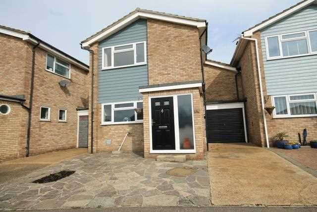 4 Bedrooms House for sale in Newton Way, St Osyth