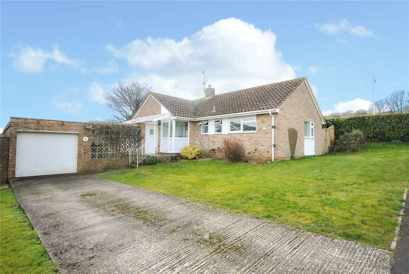 3 Bedrooms Detached Bungalow for sale in Rackclose Park, Chard, Somerset, TA20