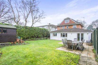 5 Bedrooms Detached House for sale in Christchurch, Dorset, 25 Hurn Road