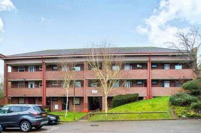 1 Bedroom Maisonette Flat for sale in Caractacus Cottage View, Watford, Hertfordshire, .
