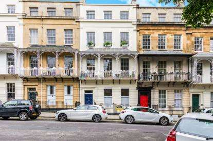 2 Bedrooms Flat for sale in Caledonia Place, Bristol