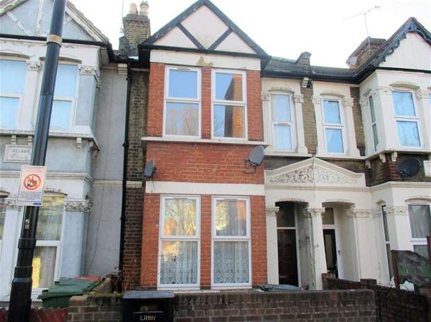 House for sale in Green Street, London