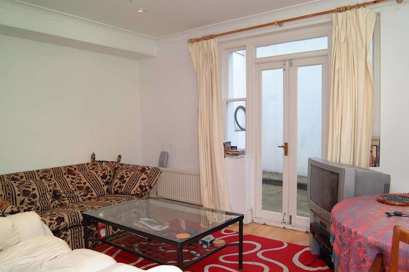 2 Bedrooms Flat for sale in Maxwell Road, Moore Park Estate, SW6