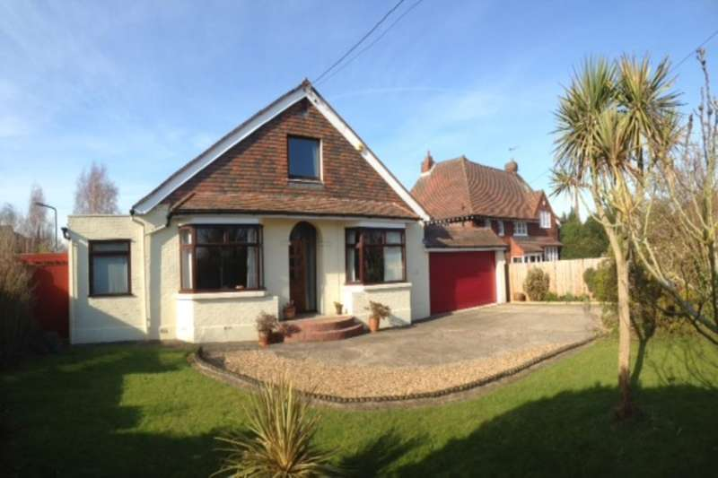 5 Bedrooms Detached Bungalow for sale in Hollywood Lane, Wainscott, Rochester, ME3