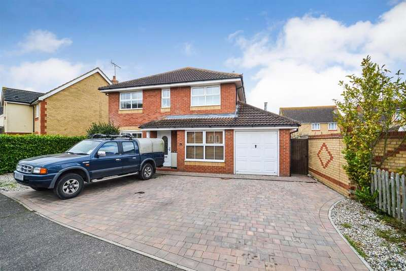 4 Bedrooms Detached House for sale in Buttercup Way, Southminster