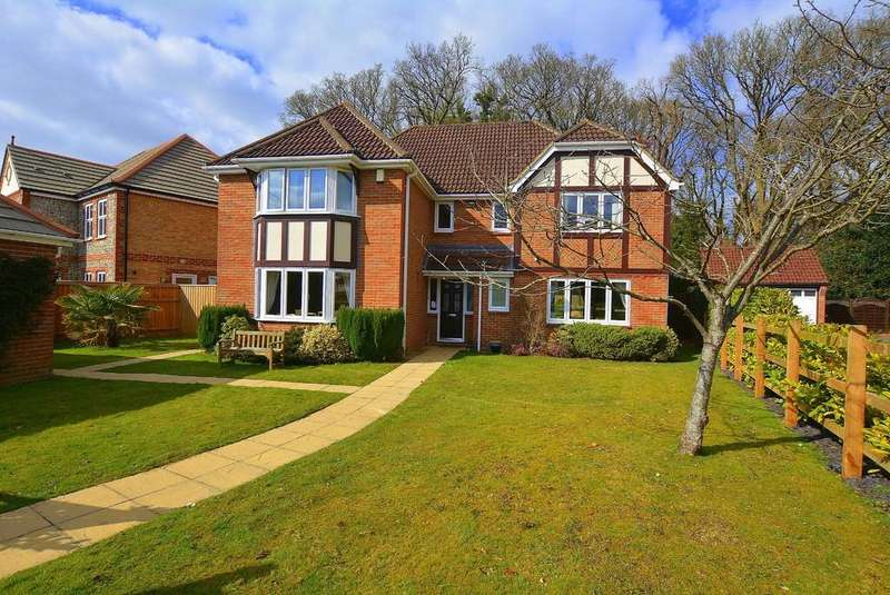 5 Bedrooms Detached House for sale in Caradon Place, VERWOOD