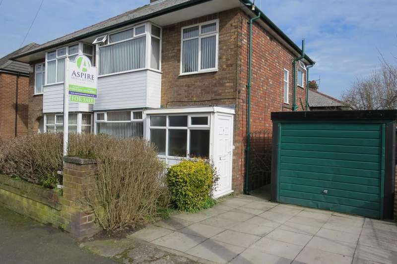 3 Bedrooms Semi Detached House for sale in Aukland Grove, St Helens