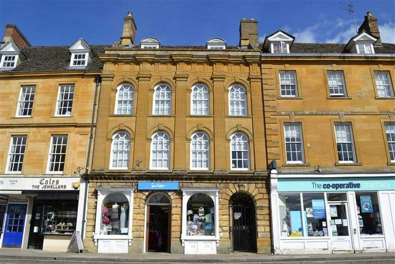 3 Bedrooms Flat for rent in High Street, Chipping Norton, Oxfordshire