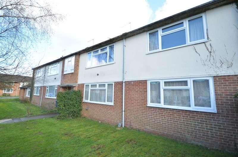 2 Bedrooms Flat for sale in Middlefield, Farnham