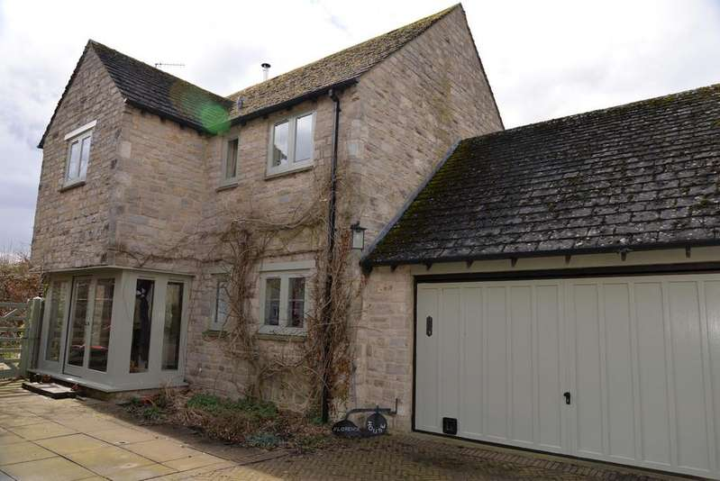 4 Bedrooms Barn Conversion Character Property for rent in Long Compton