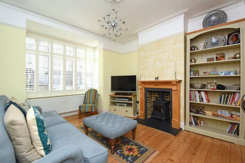 3 Bedrooms Terraced House for sale in Malyons Road SE13