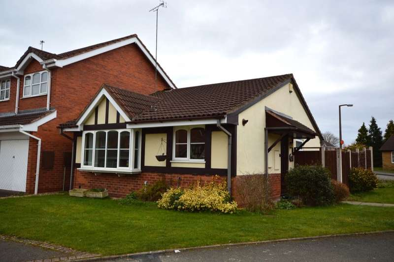 2 Bedrooms Detached Bungalow for sale in Oatlands Way, Perton, Wolverhampton, WV6