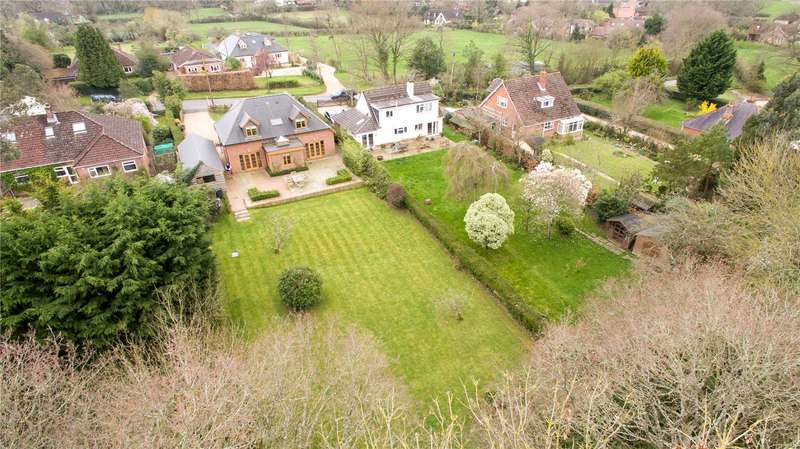 4 Bedrooms Detached House for sale in Maurys Lane, West Wellow, Hampshire, SO51