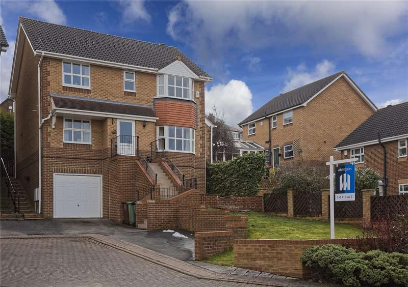 4 Bedrooms Detached House for sale in Moorland View, Rodley, Leeds, West Yorkshire, LS13