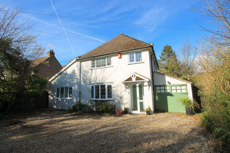 4 Bedrooms Detached House for sale in Smallfield Road, Horne