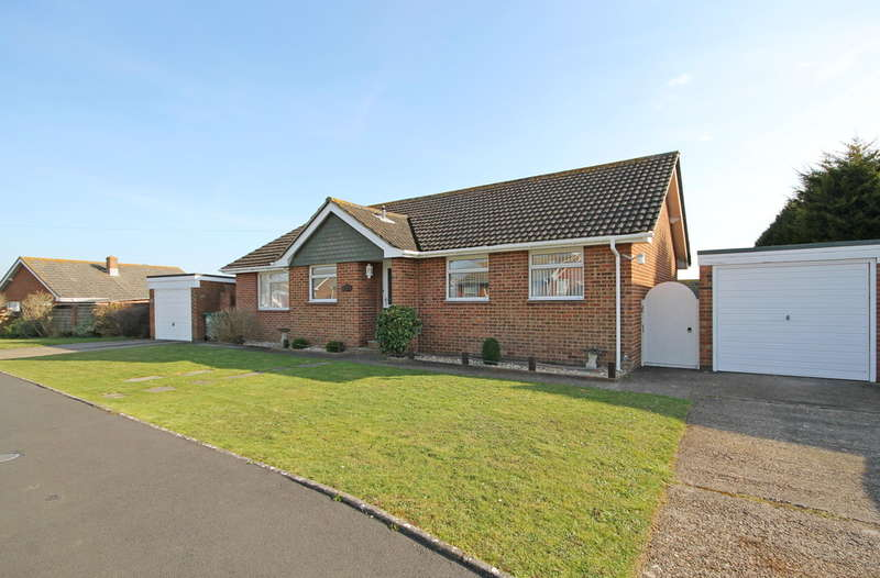 4 Bedrooms Detached Bungalow for sale in Freshwater, Isle of Wight