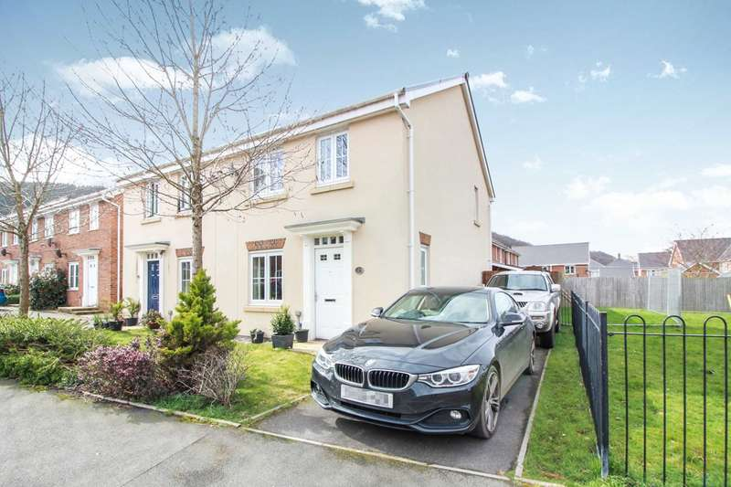 3 Bedrooms Semi Detached House for sale in Thomas Hill Close, Llanfoist, Abergavenny, NP7