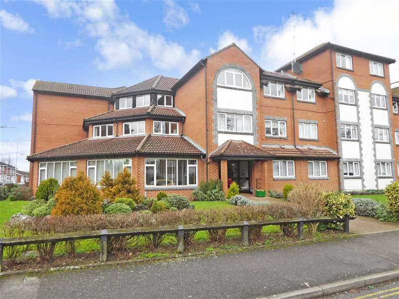1 Bedroom Flat for sale in The Ridgeway, , Chingford, London