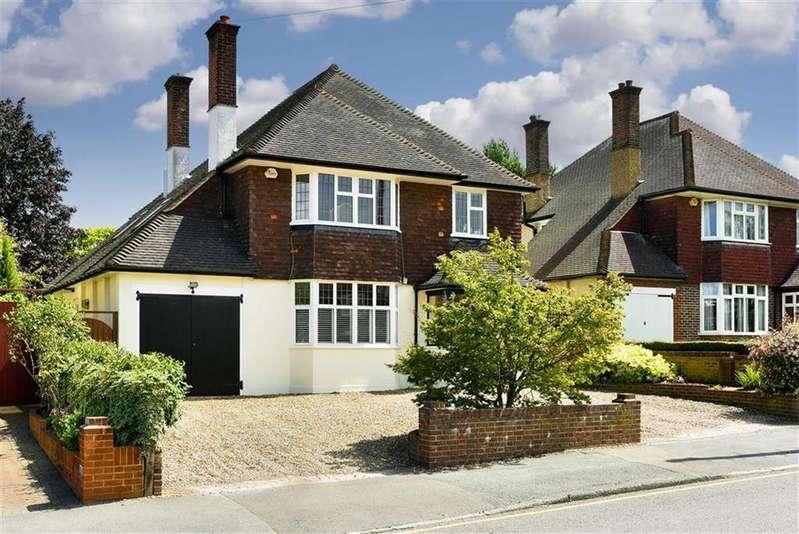 4 Bedrooms Detached House for sale in Avenue Road, Belmont, Sutton, Surrey
