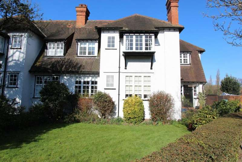 4 Bedrooms Semi Detached House for sale in Neville Road, Ealing, W5