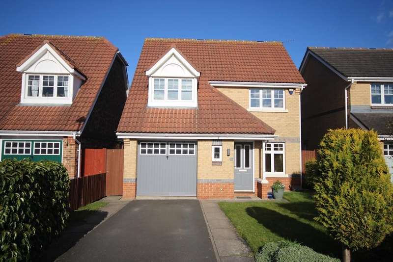 3 Bedrooms Detached House for sale in Sunningdale, West Monkseaton, Whitley Bay, NE25
