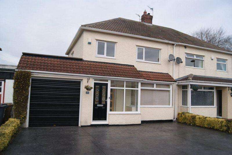 3 Bedrooms Semi Detached House for rent in Whitecroft Road, West Moor