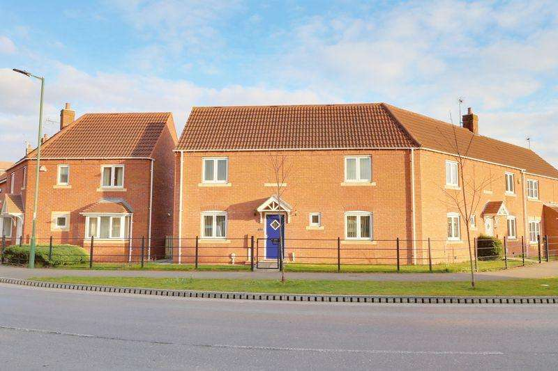 3 Bedrooms Terraced House for sale in Rivelin Park, Kingswood