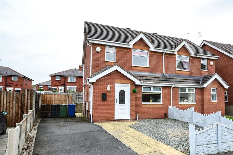 3 Bedrooms Semi Detached House for sale in Pennington Lane, Ince