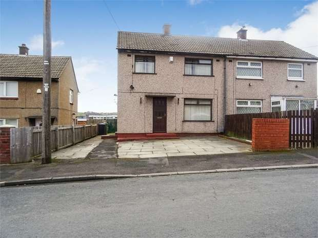 3 Bedrooms Semi Detached House for sale in Teddington Avenue, Huddersfield, West Yorkshire