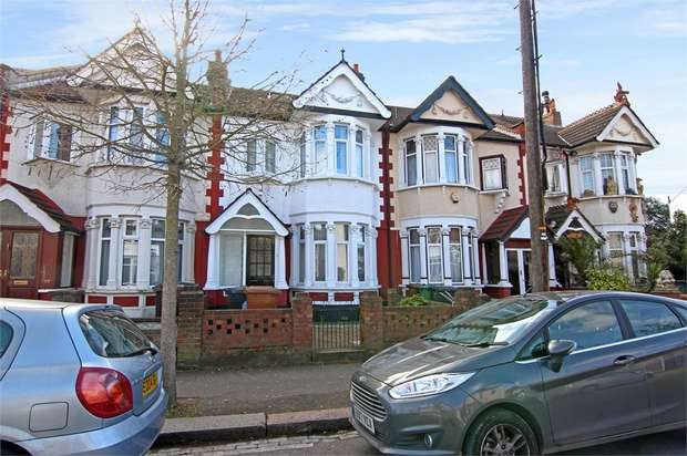 4 Bedrooms Terraced House for sale in Essex Road, Leyton, London