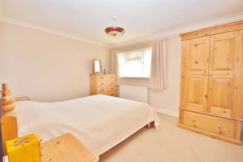 2 Bedrooms Semi Detached House for sale in Old Hatch Warren, Basingstoke, RG22