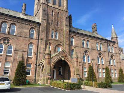 2 Bedrooms Flat for sale in North Wing, The Residence, Kershaw Drive, Lancaster, LA1