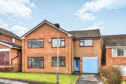 4 Bedrooms Detached House for sale in Redwood Drive, Rawtenstall, Rossendale, Lancashire, BB4