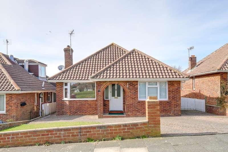 3 Bedrooms Detached Bungalow for sale in St Helen's Drive, Hangleton, Hove, East Sussex, BN3 8EA