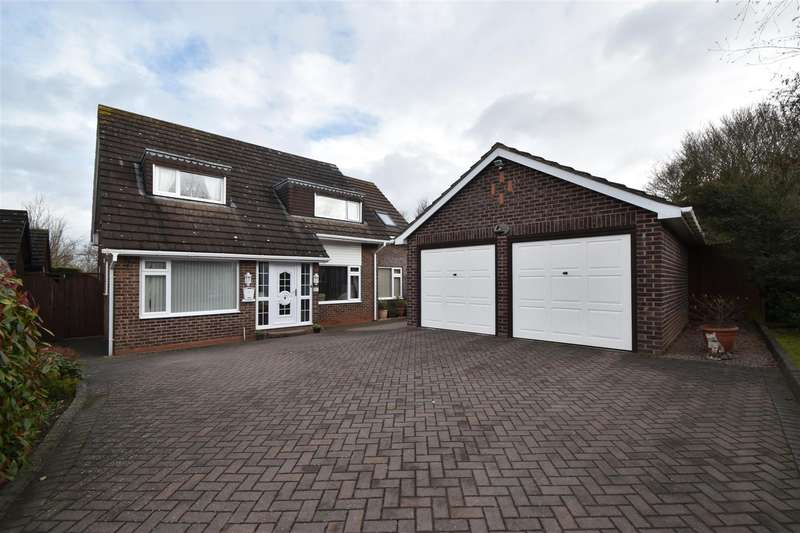 4 Bedrooms Detached House for sale in Foxhunter Close, Droitwich