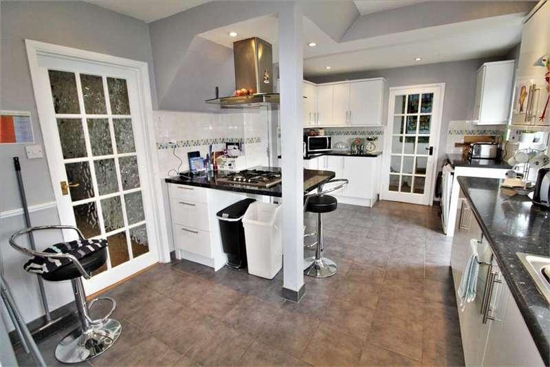 4 Bedrooms Semi Detached House for rent in Wyndham Crescent, Burnham, Buckinghamshire