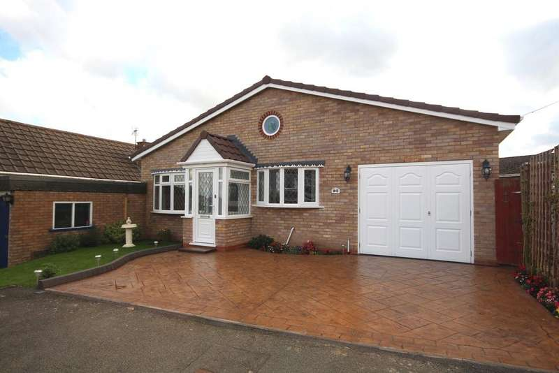 3 Bedrooms Detached House for sale in Eastwood Avenue , Burntwood,