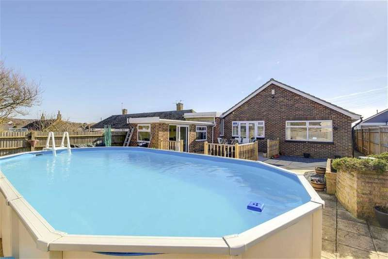 4 Bedrooms Detached Bungalow for sale in Arundel Road, PEACEHAVEN