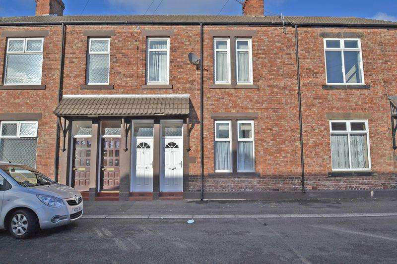 2 Bedrooms Apartment Flat for sale in St James Terrace, North Shields
