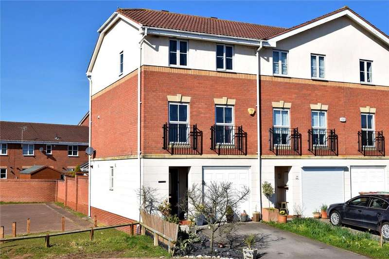 3 Bedrooms House for sale in Kingfisher Close, Scawby Brook, Brigg, DN20