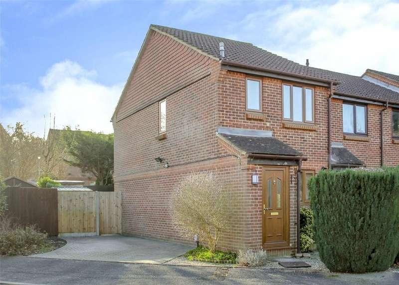 2 Bedrooms Terraced House for sale in Upavon Gardens, Forest Park, Bracknell, Berkshire, RG12