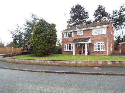 4 Bedrooms Detached House for sale in Kinglass Road, Spital, Wirral, CH63