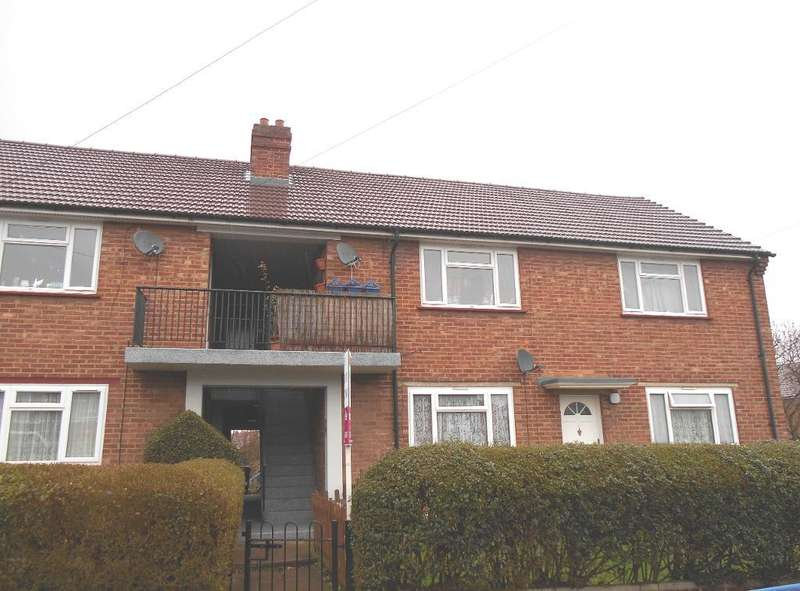 2 Bedrooms Maisonette Flat for sale in Old Ford End Road, Bedford, Bedfordshire, MK40 4LY