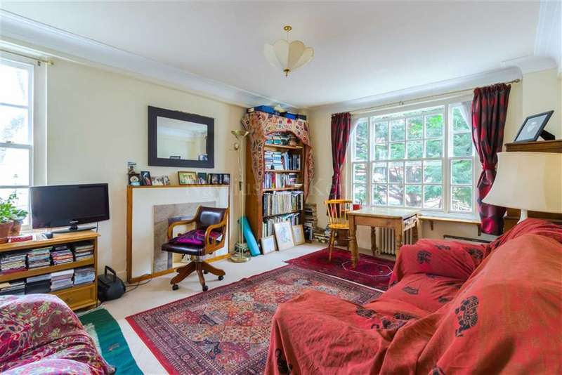 2 Bedrooms Flat for sale in Eton College Road, London, London, NW3