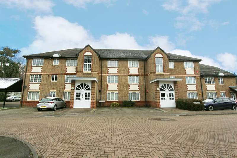 2 Bedrooms Flat for sale in Cunard Crescent, Winchmore Hill N21